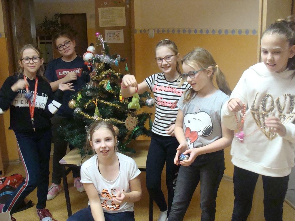 Ilustracja do informacji: Świąteczne przygotowania w Sampławie